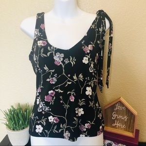 Guess Jeans tank top black floral NWT large